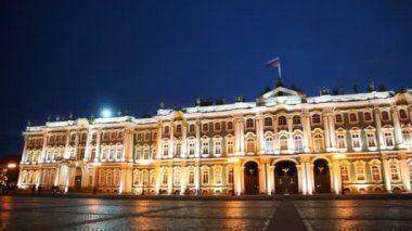 Hermitage on Palace Square illuminated lights — Stock Video