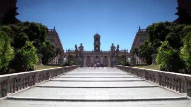 Grundschritten cordonata-treppe — Stockvideo