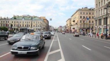 Cars move on Nevsky Avenue — Stock Video