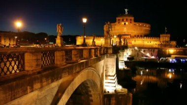 Sant Angelo Bridge and Sant Angelo Castel at night — Stock Video