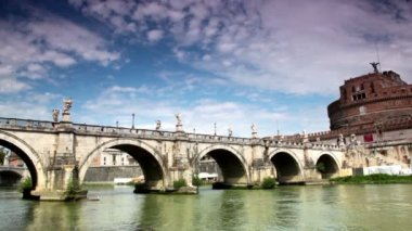Sant Angelo Bridge and Sant Angelo Castel the view from the bank of river — Stock Video
