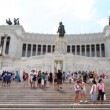 Brisk movement of people on stairs Venice Square near monument in honor Victor Emmanuel II — Stock Video