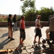 Operator and actors prepare to shoot episode of film near Villa Medici — Stock Video