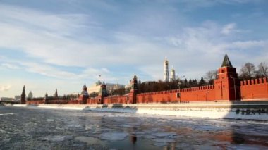 Riverside and walls of Moscow Kremlin and Ivan Great Bell Tower — Stock Video