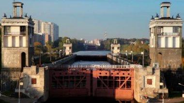 水闸数量 8 莫斯科运河之门 — 图库视频影像