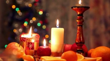 Decorated christmas dining table with candles — Stock Video