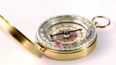 Golden vintage compass circling — Stock Video