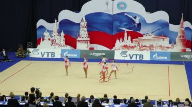 End of team performance with ribbons on World Rhythmic Gymnastics Championships — Stock Video