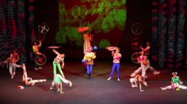 Children in native suits on concert of First International Olympiad of Russian language — Stock Video