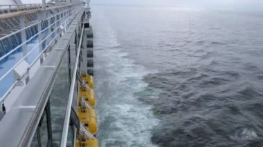 Cruise liner trace, view from ship deck, time lapse — Stock Video
