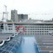 Run in circles around the cruise liner deck — Stock Video