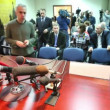 Journalists prepare equipment to meeting of Chairman of Federation Council S.M. Mironov — Stock Video