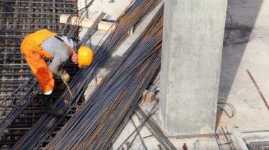 Worker weld metal gratings by acetylene torch — Video Stock