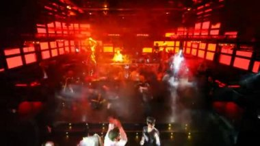 Disco with dancing girls in club Imperia Lounge in the official press-events — Stock video
