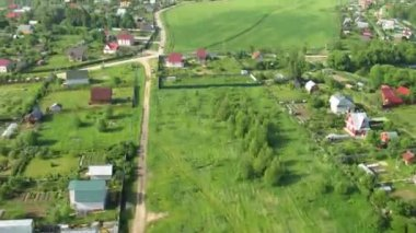 Flight above cottages near Moscow in hot air balloon — Stock Video