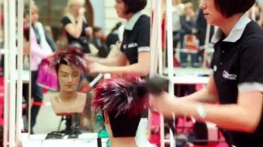 Kız kuru manken saç güzellik 2010 uluslararası festivali dünya xvii — Stok video