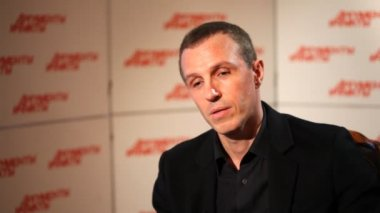 Aktör igor wernick söyler hakkında film master ve margarita yakın çekim — Stok video