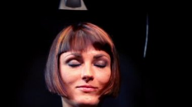 Hair cutting of model at Davines Hair Show 2010 in Moon Theater — Stock Video