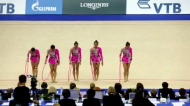 Girls finished their performance in rhythmic gymnastics — Stock Video