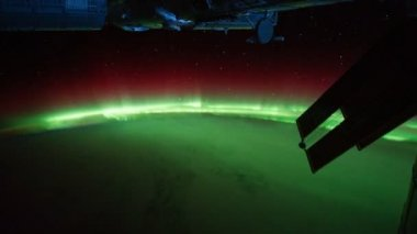 Polar lights visible on Planet Earth from shuttle window — Stock Video