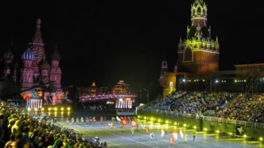 Demonstration performance Orchestra of Spanish Royal Guards on festival SPASSKAYA BASHNYA — Stock Video