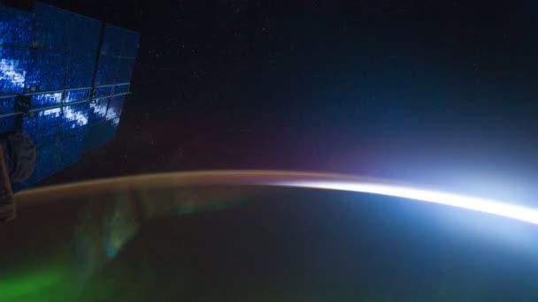 Norte de luz visible en el planeta tierra — Vídeo de stock