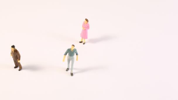 Miniatures des hommes et des femmes s'affichent à l'écran — Vidéo