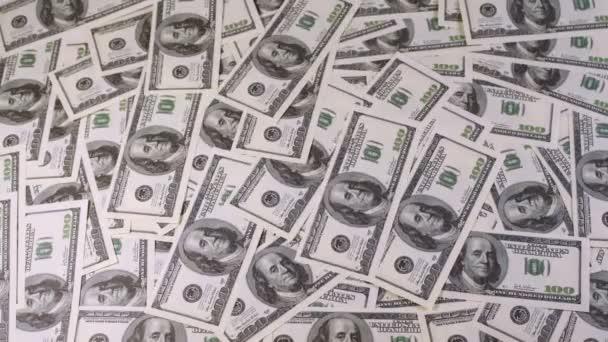 Centaines de dollars apparaissent et disparaissent de l'écran — Vidéo