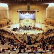 People waiting for concert in Tchaikovsky Hall of Moscow Philharmonic — Stock Video #30659057