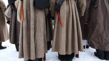 Back of soldiers in uniform and with weapons of Russian army 19th century — Stock Video
