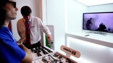 Exhibition stand of 3D vision technology during Game Developers Conference 2011 — Stock Video