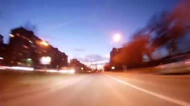 Cars go on high-speed highway in evening — Video Stock