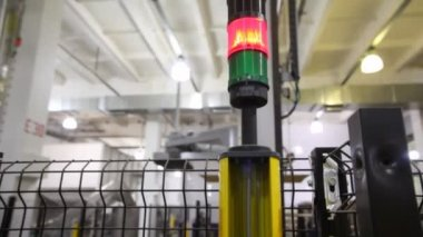 Safety light curtains, which signaling and stopping robot — Stock Video