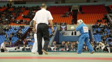 Two sportsmen kudo Ontgontseren from Mongolia and Wasinhal from India fight at World Cup 2011 KUDO — Stok video