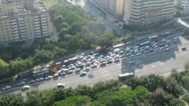 On highway in bottleneck traffic jam was formed — 图库视频影像