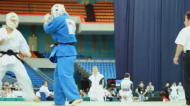 Sportsman Zivic from Russia overturns on tatami sportsman Mirco at World Cup 2011 KUDO — Stok video