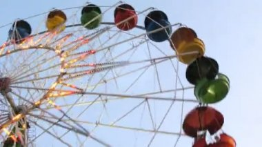 Observation wheel fly round and shine by multi-colored light — Stock Video