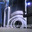 Workers unscrew bulbs in scenery in form of tunnel, concert of Legend RetroFM in Sports complex Olimpiyskiy — Stock Video