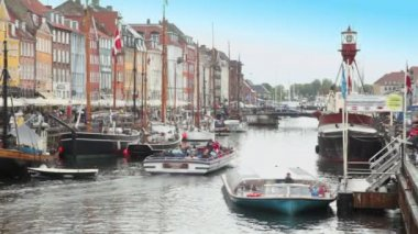 Gezi motorbot nyhavn canal, kopenhag, danimarka — Stok video