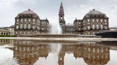 Christiansborg Slot - Denmark castle in 1167 from gray stone — Stock Video