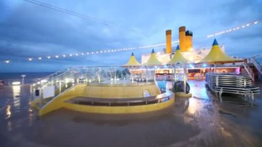 Movement on almost empty stern of ship by pool to cafe bar — Vidéo