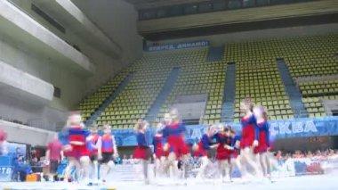 Tornado team participates in Championship on cheerleading — Stock Video