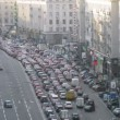 Cars stand in traffic jam on TverskayStreet — Stock Video #32379453