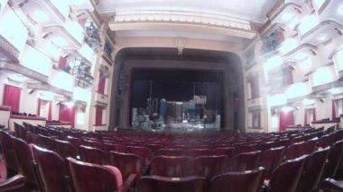 çalışma sahne sahne boş seyirci hall önce ortadan kaldırmak — Stok video