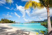 Perfect beach on Bora Bora — Stock Photo