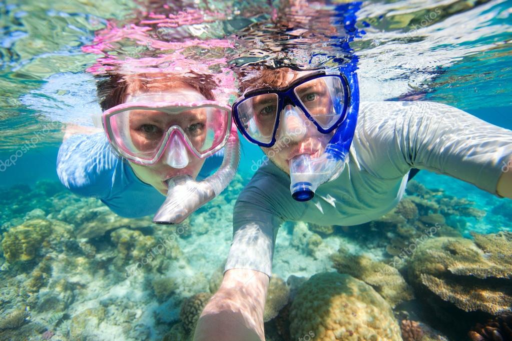 Keep your hands free as you dive with the ocean