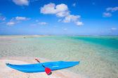 皮划艇在海滩上 — 图库照片