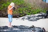 Young nature photographer — Stock Photo