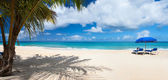 Panorama of a beautiful Caribbean beach — Stock Photo