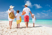 Family beach vacation — Stock Photo